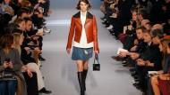 Louis Vuitton zeigt sich schlicht und gerade auf der Pariser Modewoche