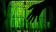 Hacker stehlen eine Milliarde Dollar