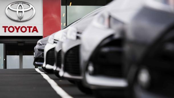 Toyota erwartet 15 Prozent weniger Autoverkäufe