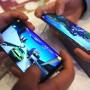 In vielen Handy-Spielen müssen Spieler erst für die Zusatzausrüstung zahlen.