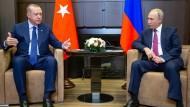 Der mittlere gemeinsame Nenner: Erdogan und Putin verkünden am Montagabend in Sotschi eine Einigung zu der umkämpften syrischen Provinz Idlib.