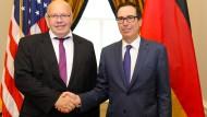 Wirtschaftsminister Peter Altmaier bei einem Treffen mit dem amerikanischen Finanzminister Steven Mnuchin