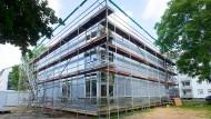 """Experiment: Zwölf Studierende mit und ohne Fluchterfahrung sollen im zweigeschossigen """"Cubity"""" unter einem Dach leben."""
