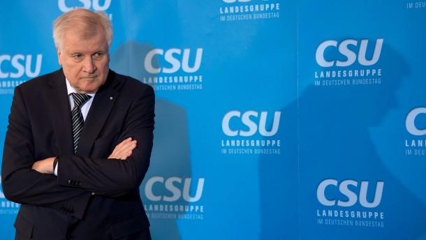 """Seehofer will bayerischen Verfassungsschutz """"niemals"""" auflösen"""