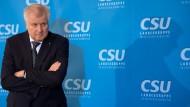 Seehofer will bayerischen Verfassungsschutz niemals auflösen