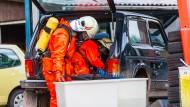Häuser evakuiert: Fahrer tankt Auto mit Wasserstoffperoxid