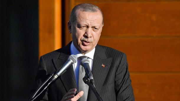 """Erdogan verlangt von Deutschland Auslieferung von 136 """"Terroristen"""""""