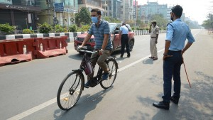 Polizei Indiens geht gewaltsam vor
