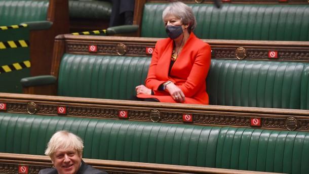 Theresa May rechnet mit Johnson ab