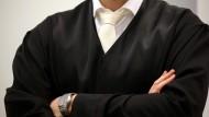 Darf ein Anwalt ohne Robe Anwalt sein?