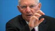 Ein an ihn adressiertes Paket war mit Sprengstoff gefüllt: Bundesfinanzminister Wolfgang Schäuble (CDU)
