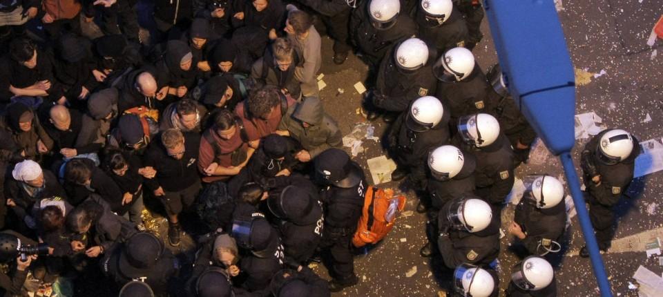 Blockupy-Tage in Frankfurt: Im Kessel - Rhein-Main - FAZ