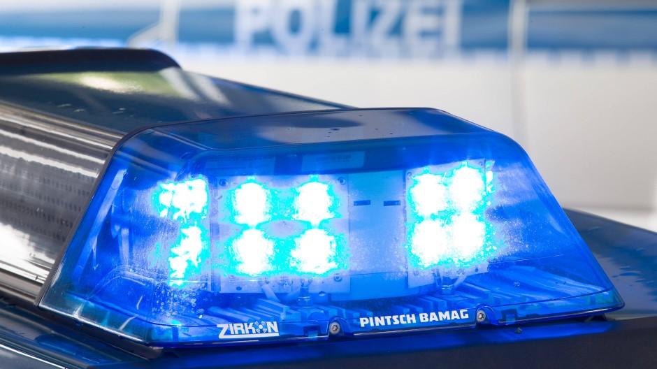 Knapp 1300 Euro hat die Polizei dem Mann nun in Rechnung gestellt.