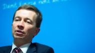 Kritisiert seine Parteikollegen: der AfD-Vorsitzende Bern Lucke.