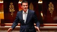Auch Frankreichs Premierminister Manuel Valls beteiligt sich an der hitzigen Debatte im Parlament.