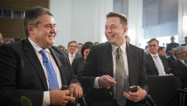 Tesla-Chef rät zu mehr Elektro-Autos in Deutschland
