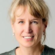 """Karin Truscheit - Portraitaufnahme für das Blaue Buch """"Die Redaktion stellt sich vor"""" der Frankfurter Allgemeinen Zeitung"""