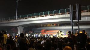 Eine eingestürzte Brücke schockiert China