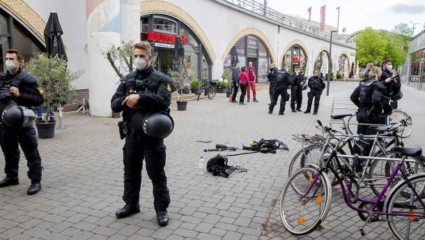 """Kamerateam der """"heute-show"""" in Berlin angegriffen"""
