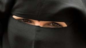 Karliczek hält Burka-Verbot an Schulen für sinnvoll