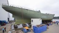 Auf dem Trockenen: Die Gorch Fock im Juli in der Fassmer Werft