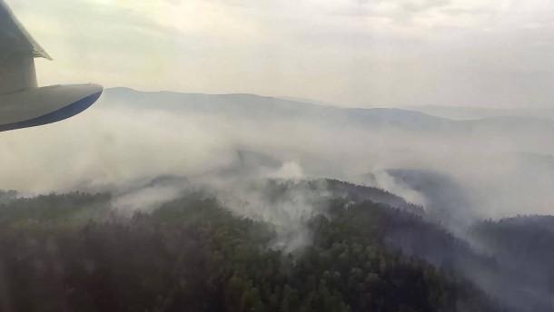 Riesige Waldbrände wüten weiter