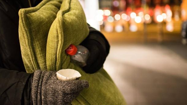 Briten bezahlen Obdachlosen für Stirn-Tattoo
