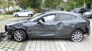 Zehn Autos beim Einparken beschädigt