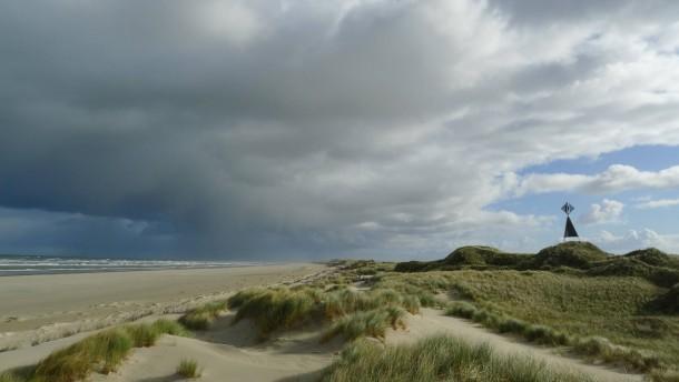 Am grauen Strand,  am grauen Meer