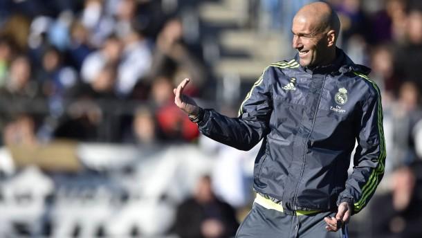 Hoffen auf die magische Wirkung Zidanes