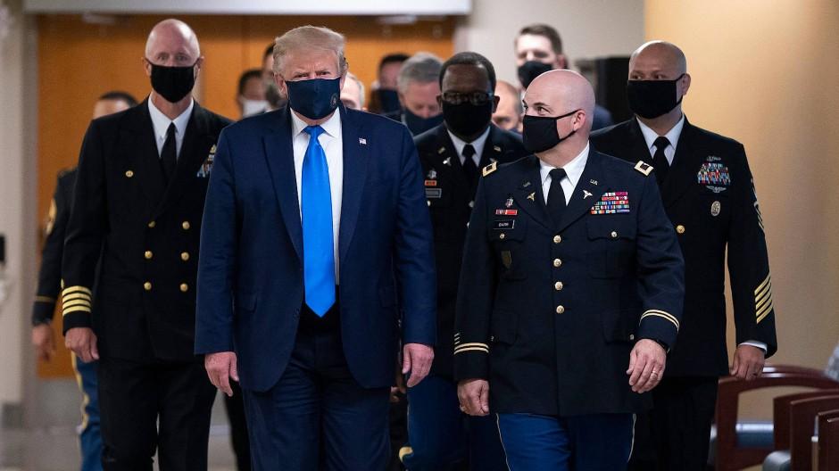 Donald Trump am 11. Juli beim Besuch eines Krankenhauses in Bethesda