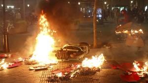 Wieder Massenproteste gegen Separatisten-Urteile