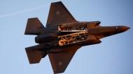 Ein israelisches Flugzeug vom Typ F-35 soll bereits einen weiteren Angriff auf eine andere Stellung in der Provinz Salahadin geflogen sein.