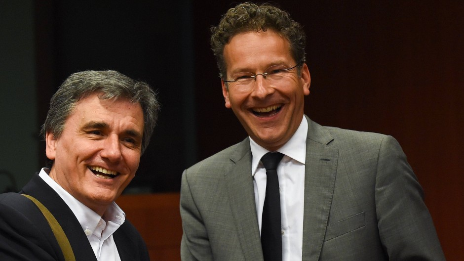 Zumindest die Stimmung scheint zu stimmen beim griechischen Finanzminister Euklid Tsakalotos (links) und Euro-Gruppenchef Jeroen Dijsselbloem.