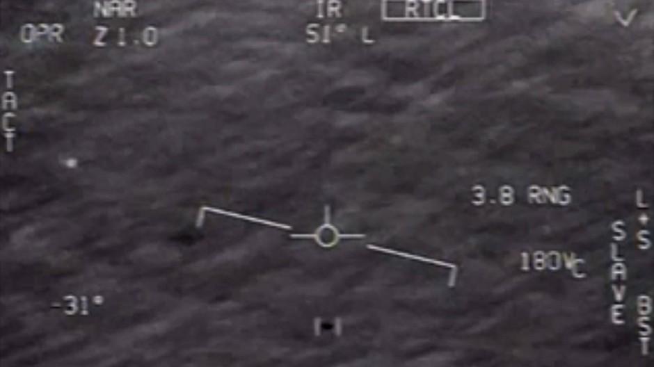 Videoaufnahmen von Marine-Piloten heizen die Debatte um mögliche Ufo-Sichtungen weiter an.