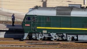 Kim mit Zug nach Peking gereist