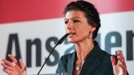 Wagenknecht nennt Erdogan Terroristen