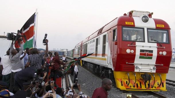 Mit dem Zug von Mombasa nach Nairobi