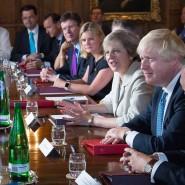 Bei der ersten Kabinettssitzung von Theresa May mit ihren Ministern gab es in vielen Punkten Uneinigkeit.