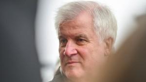 Seehofer: Obergrenze soll gemeinsamem Wahlprogramm nicht im Weg stehen