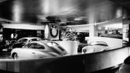 Runde Sache: Den Showroom in Manhattan gestaltete der Architekt Frank Lloyd Wright mit sanft nach oben schwingenden spiralförmigen Ausstellungsflächen.