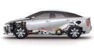 Der neue Brennstoffzellen-Toyota im Querschnitt: Die beiden Wasserstofftanks (je 60 Liter Volumen) sitzen unter der Rückbank und auf der Hinterachse.