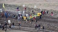 Wieder Festnahmen wegen Ölpipeline im kargen Nordwesten