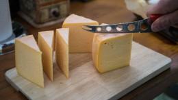 Lässt Musik Schweizer Käse besser reifen?