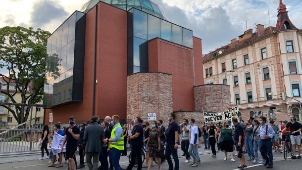 Verdächtiger nach Angriffen auf jüdische Gemeinde festgenommen