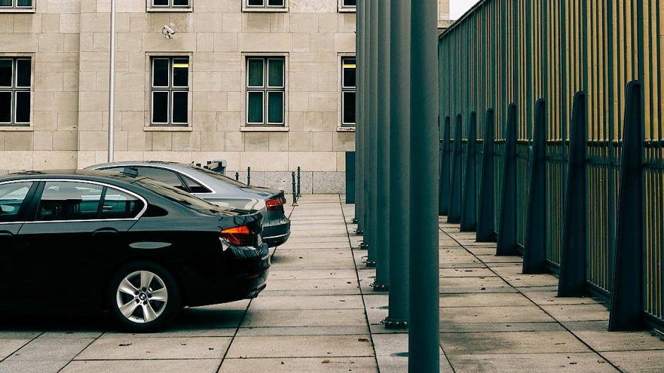 Bundesfinanzministerium in Berlin: Griff in die Staatskasse