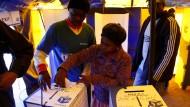 Parlamentswahlen haben begonnen.