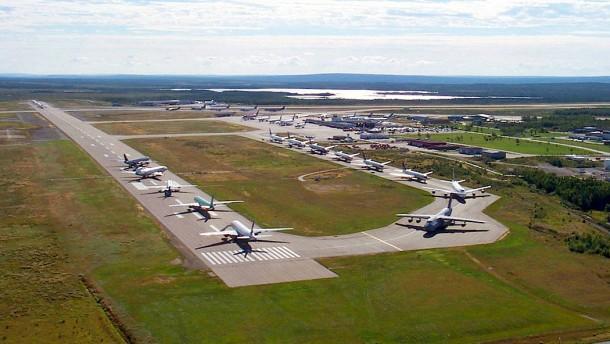 Wie Tausende Flugpassagiere in Gander Zuflucht fanden