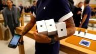 Werden weniger iPhones nachgefragt? Analysten rechnen mit sinkenden Absatzzahlen.