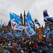"""""""Ja"""" zur Unabhängigkeit: Etwa 20.000 Menschen beteiligten sich an dem Marsch in Glasgow."""